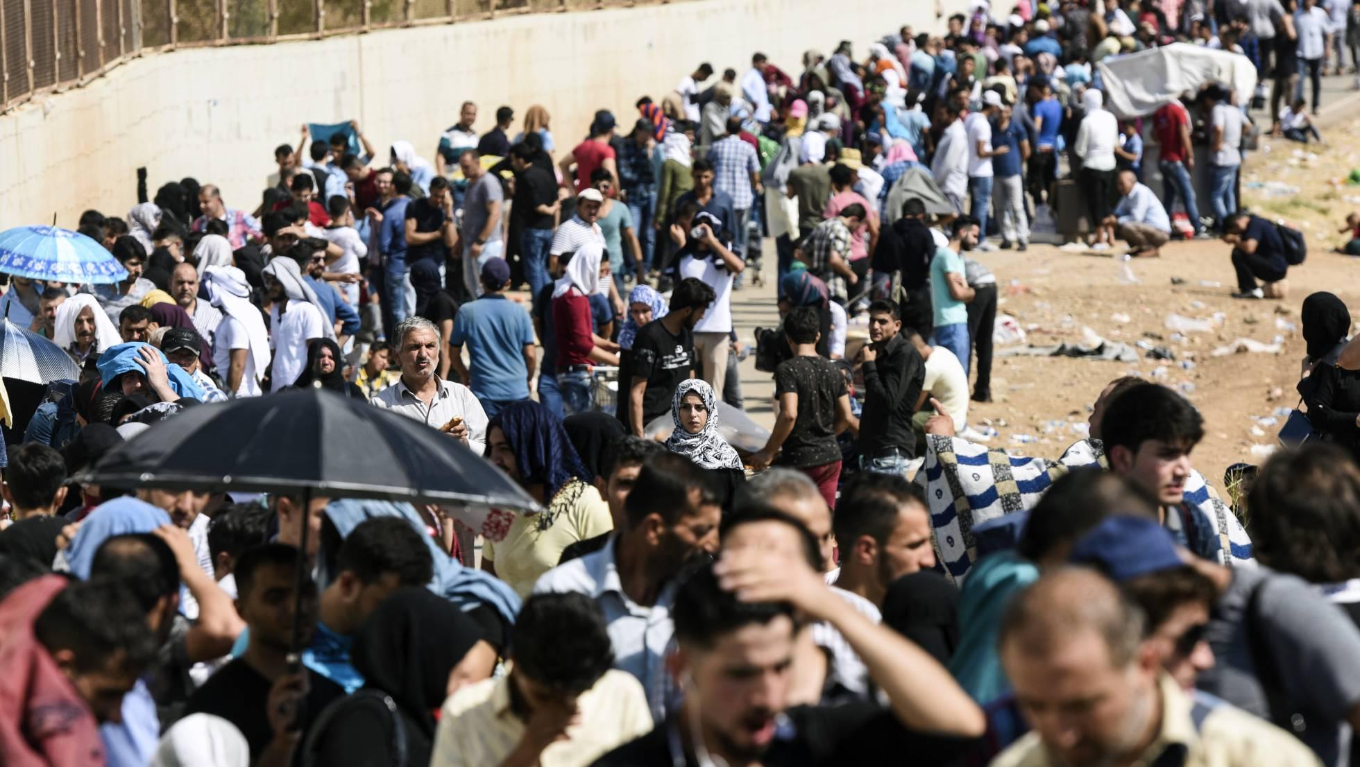 Sirios tienen que dejar sus casas por la sequía que hace que el precio de los alimentos aumente considerablemente